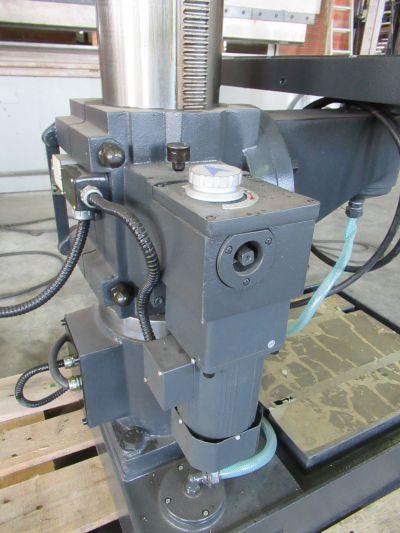 Huvema HU 40 TI-4 - Kolomboormachine